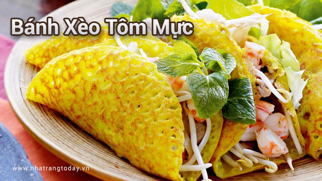 Bánh xèo tôm mực Nha Trang