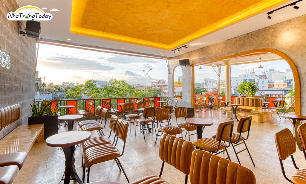 Cafe Hoàng Tuấn
