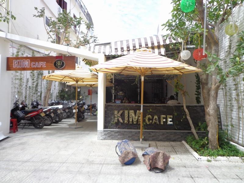 Cafe Kim (sân vườn - khiêu vũ)