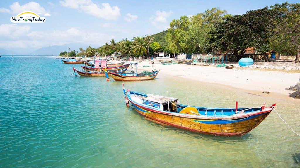 Phong cảnh hữu tình tại đảo điệp sơn Nha Trang