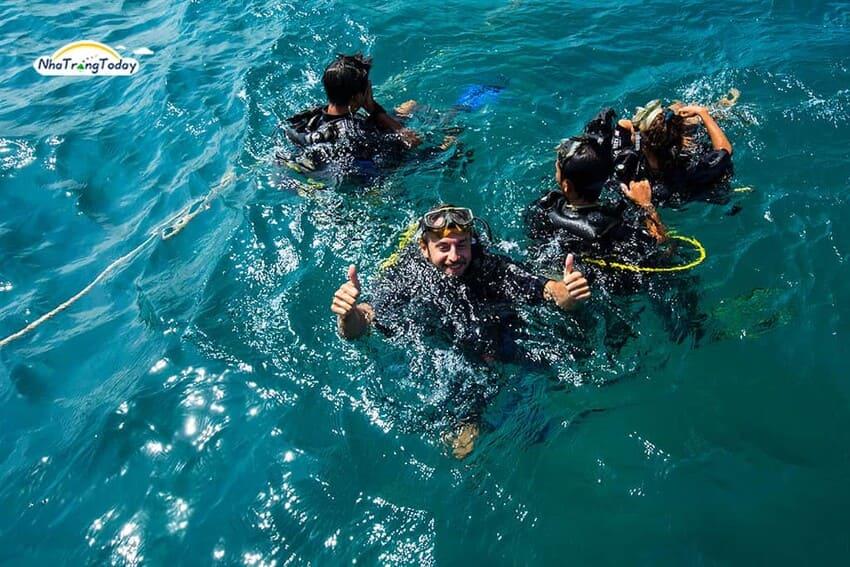 Trải Nghiệm Cảm Giác Lặn Biển Tuyệt Vời