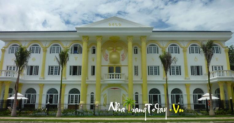 Khách sạn Dinh Khải Huyền