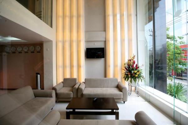 Khách sạn Golden Rain