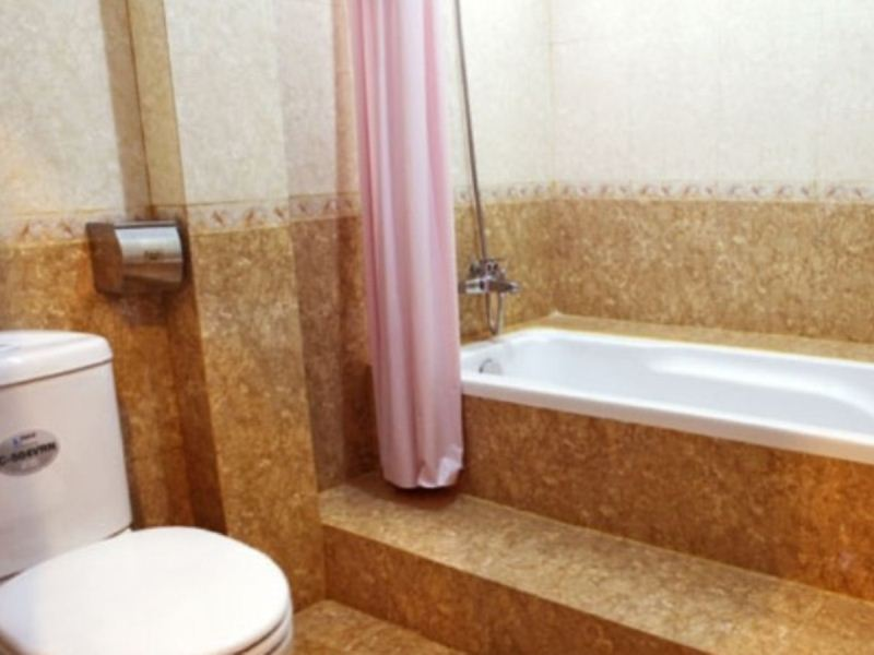 Khách Sạn Monaco