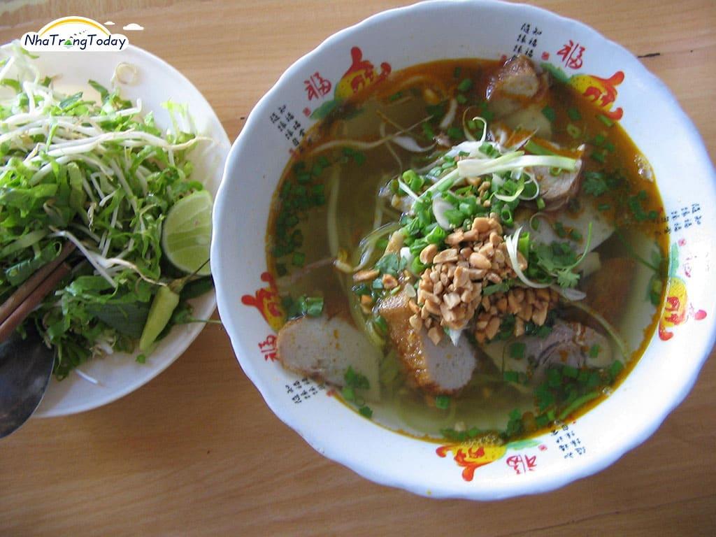 Mì Quảng - Cơm Hến - Bún Hến Nha Trang