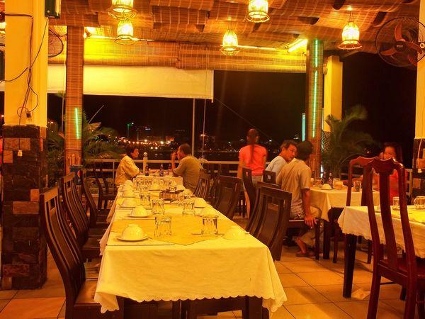 Nhà hàng Bến Thuyền