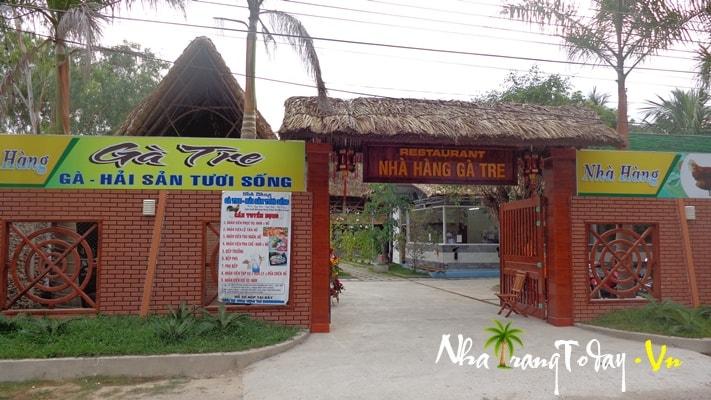 Nhà hàng Gà Tre
