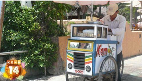 Bánh mì kẹp kem ở Nha Trang