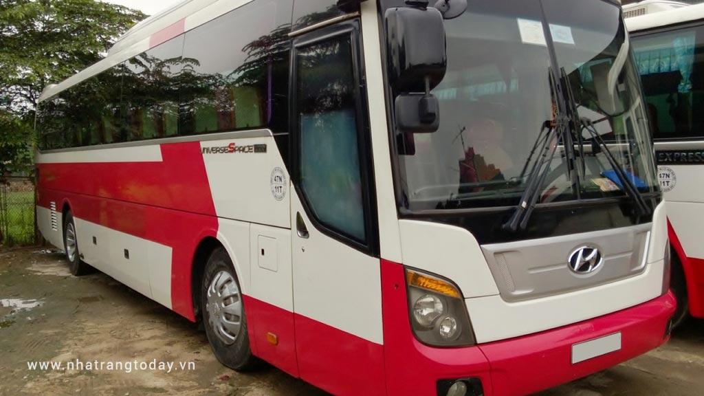 Cho thuê xe 35-45 chỗ tại Nha Trang