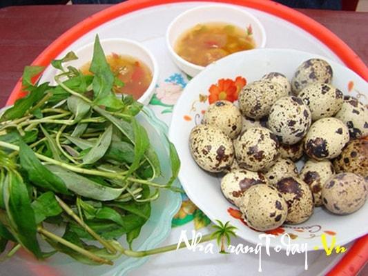 Trứng vịt lộn món ăn đường phố